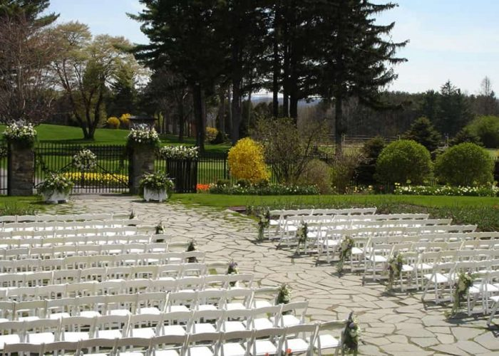 The Formal Garden | Wedding Venues | Skytop Lodge Coveted Wedding Destinations