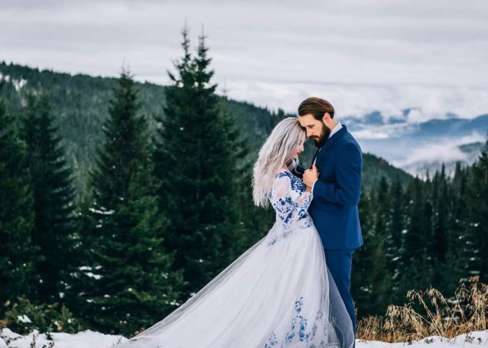 The Perfect Poconos Winter Wedding