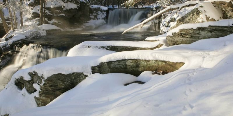 5 Tips for Hiking the Delaware Water Gap in the Winter | Skytop Lodge