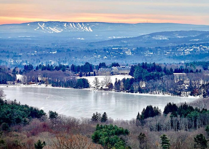 Our Favorite Winter Sightseeing Spots in the Poconos | Skytop Lodge