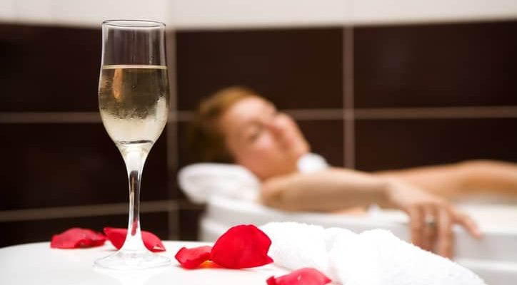 Tips to Make Your Hotel Stay Even More Romantic