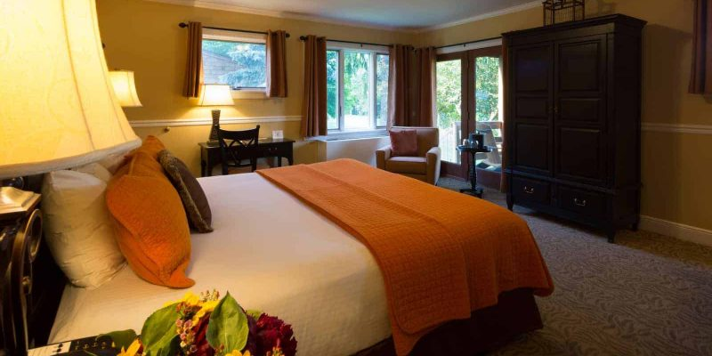Cottage King Room | Rooms at The Cottages | Skytop Lodge