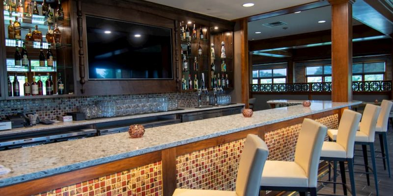 Lakeview | Bar | The Inn at Skytop Lodge