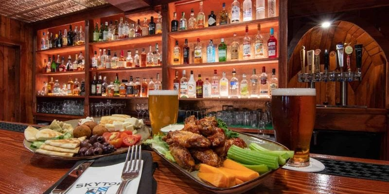 The Taproom | Dining Experiences at Skytop Lodge